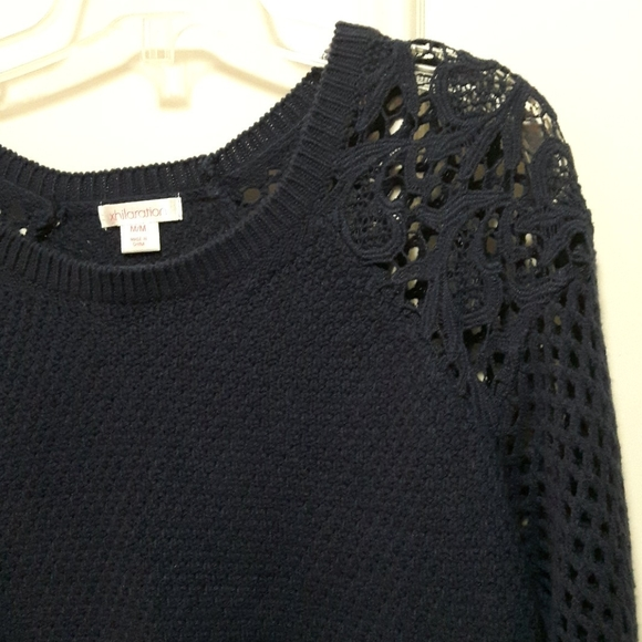2 for 20! 🛍️ Navy blue knit sweater with lace